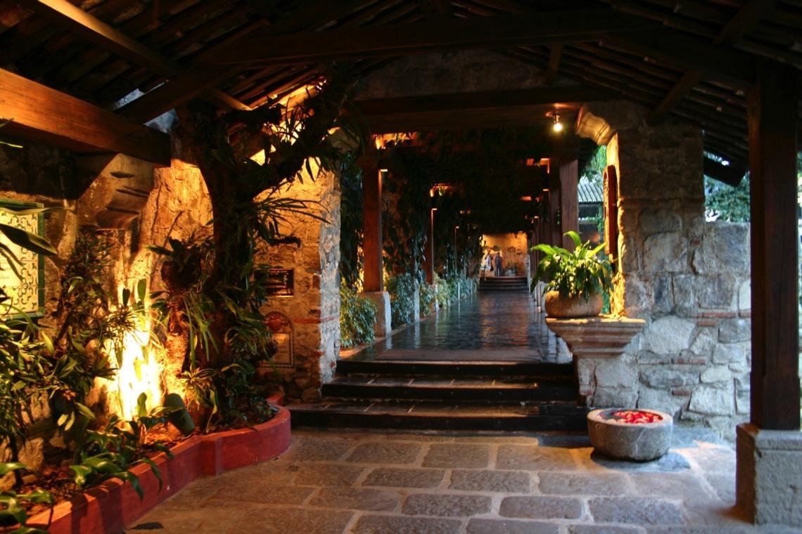 Casa-Santo-Domingo_Principal_Entry
